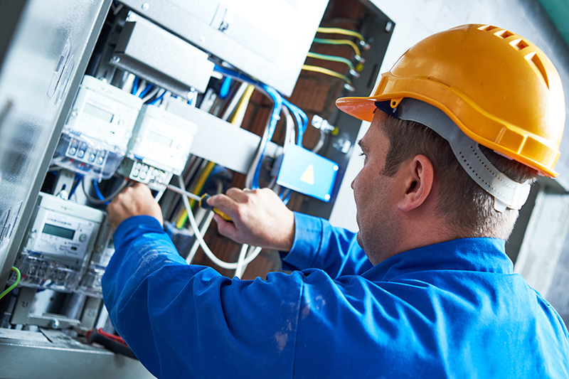 Become An Electrician in Macclesfield Cheshire