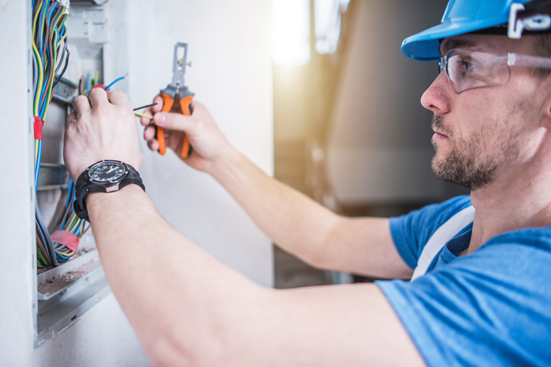 Electrician Qualifications in Macclesfield Cheshire