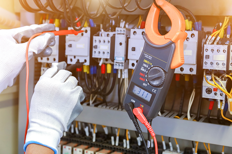 How To Become An Electrician in Macclesfield Cheshire